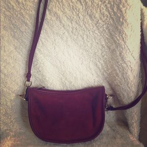 Street Level Crossbody Handbag - merlot